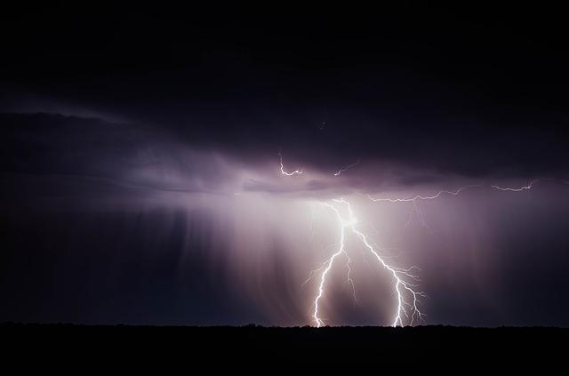 Allerta meteo Domenica 22 ottobre - Temporali sparsi di moderata intensità