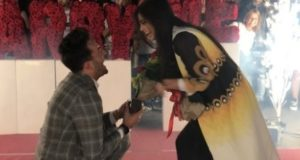 La proposta di matrimonio dello stilista Mattia Pisano alla sua fidanzata
