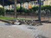 rifiuti incendiati in villa