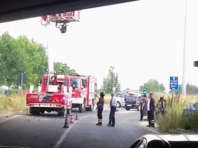 Cadute di calcinacci dal ponte dell'autostrada che collega alla TAV