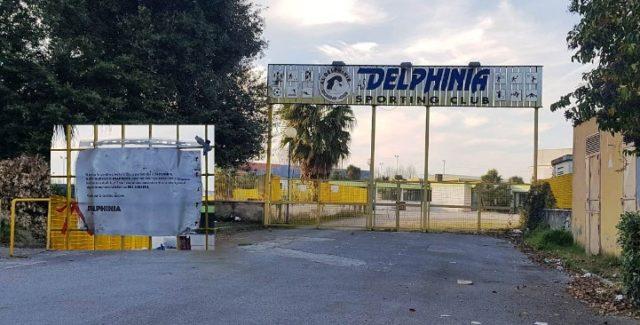 delphinia chiusura