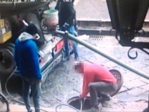 scarico illegale a Napoli