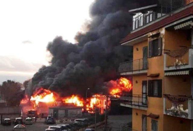 incendio deposito Casoria