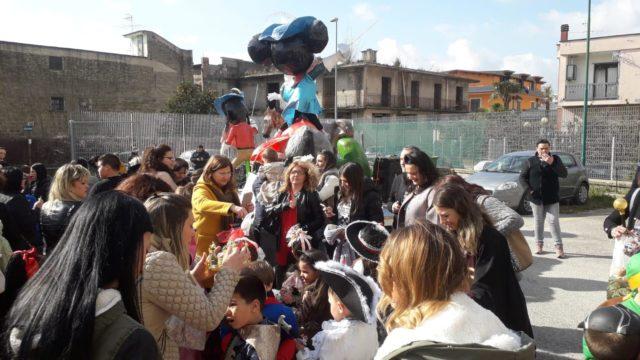 Oggi la Cilea Mameli in strada per la sfilata dei carri di Carnevalando